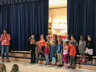 MtVES Kindergarten Students Recite Poems